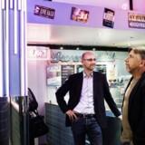 Adm. direktør for burgerkæden HWY55, Jens Due, samt den amerikanske CEO, Kenney Moore, da restaurantens nye afdeling åbnede på Hovedbanegården i København for få måneder siden