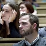 Venstre foreslår, at den radikale uddannelsesminister Morten Østergaard (billedet) lader en del af finansieringen af landets universiteter være afhængig af, hvor mange dimittender der er i arbejde et år efter endt uddannelse. Ministeren har netop selv foreslået at skære ned på antallet af uddannelser.