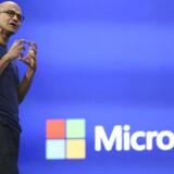 Microsoft-topchef Satya Nadella er i gang med at sælge de dele fra, som ikke giver penge. Arkivfoto: Robert Galbraith, Reuters/Scanpix