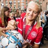 Arkivfoto. For anden gang i denne uge er Pernille Harder nomineret til en stor international pris efter en flot sæson.