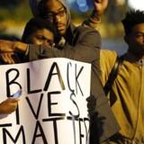 Demonstranter i Ferguson, Missouri efter drabet på Michael Brown.