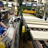 Den irske byggematerialeproducent Kingspan, der er konkurrent til danske Rockwool, oplever fortsat stor fremgang. Her ses produktion af rockwool på fabrikken Rockwool ved Hobro.