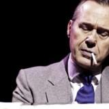 """Svag ramme, stærk præstation: Flemming Enevold som Frank Sinatra i """"Under My Skin"""". Foto: PR."""