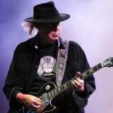 Det nok største nye navn er rocklegenden Neil Young. Han kommer med bandet Promise of the Real og kan opleves på festivalens næstsidste dag.