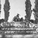 Byens største monument, Gefionspringvandet ved Langelinie, har siden 1908 givet anledning til delte meninger. Foto fra 1946, København før og nu, bd. 1.