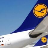 Lufthansa-fly i Frankfurt Lufthavn.