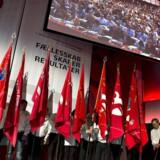 3F-Kongres starter.: 3F startede lørdag deres kongres i Aalborg Kongres og Kulturcenter. Lørdag holder den afgående formand Poul Erik Skov Christensen sin sidste beretning. Tirsdag vælges den nye formand Per Christensen. Her de røde faners indtogsmarch ved åbningen