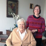89-årige fru van der Pol-van den Dorpel, der har en beskyttet bolig i Rotterdam, får som andre ældre i Holland hjælp til plejen. Men derudover må familien træde til, eller hun må købe sig til hjælp ved lægebesøg, en tur i byen eller hvis hun har brug for lidt ekstra selskab.