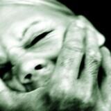 Både mænd og kvinder slår i mange voldelige parforhold og kæmper ofte med svære psykiske problemer fra barndommen.