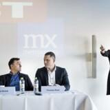Pressemøde om sammenlægning af BT og Metroxpress hos Berlingske Media.De to aviser BT og MX (Metroxpress) har besluttet at slå kræfterne sammen i et nyt selskab, BTMX, som bliver et koncernselskab under Berlingske Media. Til stede: Mette Maix, adm. direktør for Berlingske Media (th.), Jens Grund, konstitueret ansvarshavende chefredaktør i selskabet (tv.), og Thomas Raun, som i dag er adm. direktør for MX.