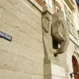 Bestseller-stifter og milliærder Troels Holck Povlsen har overtaget Nykredits historiske hovedsæde i København.
