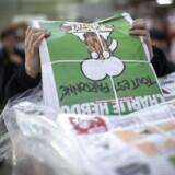 Efter stor interesse for det franske satiremagasin Charlie Hebdo undersøger Bladkompagniet, om der skal hentes flere udgaver hjem til Danmark.