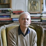 Patrick Modiano i sin lejlighed i Paris. Foto: Nicola Lo Calzo/The New York Times.