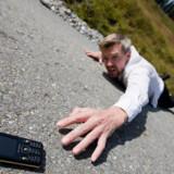 Videnskabsminister Helge Sander (V) vil nu alligevel ikke kræve milliarder fra teleselskaberne, hvis de vil i gang med 4G-mobiltelefoni (også kaldet LTE). Foto: Colourbox