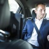 Udenrigsminister Kristian Jensen i sin ministerbil på vej til møde i Statsministeriet.