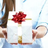 Når medarbejdere skal have julegaver, bør så man tage hensyn til folk, der ikke drikker alkohol eller spiser kød?