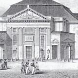Det Kgl. Teater på Kongens Nytorv som det så ud omkring 1840. Det blev revet ned i 1874, da der blev opført en ny teaterbygning på grunden til venstre. Foto: Før og nu, 3. årg.