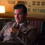 Josh Brolin som Eddie Mannix, der i 1950ernes Hollywood lever af at feje skandaler ind under gulv-tæppet, i Coen-brødrenes nye film »Hil Cæsar!«. Foto: PR