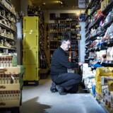 Finn Jacobsen i hans Spar-købmandsbutik i Glostrup.