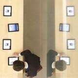 De seneste dage har der været rapporter om, at Apple har aflyst bestillingerne på skærme fra sine underleverandører, blandt andet Sharp. Årsagen var, ifølge The Wall Street Journal, lavere efterspørgsel på iPhone 5.