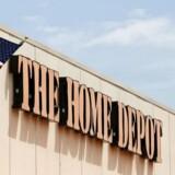 Byggemarkedskæden Home Depot slog analytikernes forventninger med sit regnskab for første kvartal 2016/17 og skruer op for forventningerne til hele regnskabsåret.