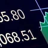 S&P 500-indekset sluttede torsdag med en lille gevinst på under 0,1 pct. l 2280,85. Det industritunge Dow Jones-indeks blev presset marginalt tilbage til 19.884,91, mens Nasdaq-papirerne faldt godt 0,1 pct. til 5636,20.