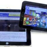 Apples iPad og Samsungs Galaxy Tab (her i den mindre udgave med syvtommerskærm) strides i retten. Arkivfoto: Scanpix