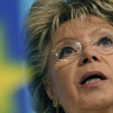 EUs kommissær for Informationssamfundet, Viviane Reding, fremlagde i går et udkast til regulering af prisen på SMS-området.