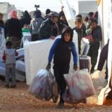 Nødhjælpsorganisationer arbejdede i december 2016 i døgndrift for at få sårede og udmattede syrere fra Aleppo tilbage på ret køl. Vinteren er dog særligt hård for de krigsramte.