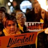 Cataloniens tilhængere af uafhængighed går torsdag til valg under protest mod, at deres politiske leder er blevet fængslet eller har set sig nødsaget til at flygte. Drømmen om uafhængighed er i øjeblikket kun en drøm. Foto: Pau Barrena/AFP
