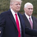 Præsident Donald Trump, sammen med vicepræsident Mike Pence, omfavner alligevel en del af Obamas udenrigspolitik. EPA/MICHAEL REYNOLDS