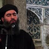 Billede af Abu Bakr al-Baghdadi taget fra den propagandavideo ISlamisk Stat offentliggjorde i forbindelse med oprettelsen af kalifatet i Mosul i 2014