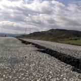 Revne i vej i Island efter kraftigt jordskælv i 2008.