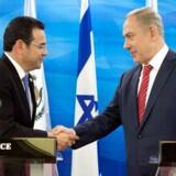 Guatemalas præsident Jimmy Morales og premierminister i Israel Benjamin Netanyahu