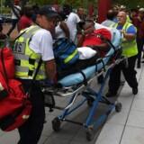 Hele sundhedsvæsenet er udfordret. 16 hospitaler i Texas var torsdag lukket på grund af oversvømmelserne. Omkring 1.000 patienter er overflyttet, herunder til sygehuse i Dallas og Austin.