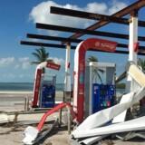 Væltet benzintank på Key West i Florida efter orkanen Irmas hærgen.