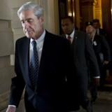 Ifølge avisen The Washington Post har Robert Mueller for nylig sagt, at han ikke betragter Donald Trump som mistænkt i de igangværende undersøgelser. Mueller sagde dog angiveligt også, at han stadig har tænkt sig at afhøre præsident Trump i forbindelse med undersøgelsen, der også skal give svar på, om Donald Trump har forsøgt at hindre efterforskningen, da han fyrede James Comey som FBI-chef sidste forår.