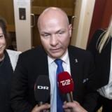 Mens Søren Gade siger farvel, kommer Karen Ellemann og Britt Bager til at tegne Venstres folketingsgruppe fremover.
