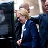 Efter en meget omtalt episode med vaklende ben er Hillary Clinton snart tilbage på landevejen og sin kampagne for at blive USA's næste præsident.