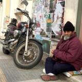 Hussein har boet på Thessalonikis gader i årevis. Nu har han fået hjælp fra en uventet kant.