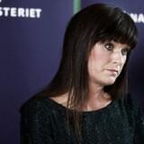 Innovationsminister Sophie Løhde holder pressebriefing i Finansministeriet om overenskomstforhandlingerne på statens område onsdag den 7. marts 2018. Hun står på den ene side af forhandlingerne.