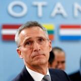 Jens Stoltenberg får to år mere på posten som generalsekretær i NATO.