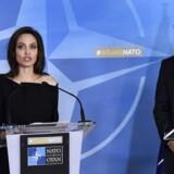 Natos generalsekretær, Jens Stoltenberg, tog onsdag formiddag imod FN-udsendingen Angelina Jolie i Natos hovedkvarter i Bruxelles.