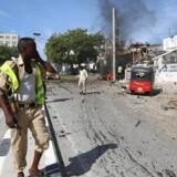 Arkivfoto. »Vi hørte en kæmpe eksplosion og så flammer stige op fra skibet. « fortæller borgmester i havneby.