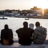Lampedusa, den Italienske ø midt i Middelhavet, har tidligere været første stop for stort set alle bådflygtninge- og migranter. Det har haft store konsekvenser for den lille ø, der er på størrelse med Anholt.