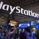 Sony har for alvor sat sig på spillekonsoltronen. Playstation 4 storsælger, og salget af VR-brillerne følger med, selv om markedet som sådan stadig ikke har taget af, som mange troede. Arkivfoto: Christopher Jue, EPA/Scanpix