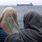 Migranter fra Bangladesh efter at de blev reddet i Middelhavet ud fra Libyens kyst i april. REUTERS/Yannis Behrakis