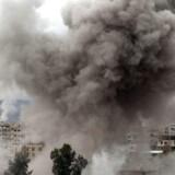 Assad-regimets kampfly har intensiveret bombningen af den syriske forstad Ghouta. Med sine videoreportager fra Ghouta vil den blot 15-årige Mohammed Najem råbe vestens ledere op.
