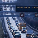 Lange køer med biler i alle baner under morgentrafikken på Helsingørmotorvejen. Arkivfoto: Steffen Ortmann