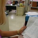 Mange arbejdsgivere kører lønnen i næste uge, og derfor kan du stadig nå at ændre forkerte oplysninger eller fradrag i din forskudsopgørelse under www.tastselv.skat.dk. Free/Colourbox.com